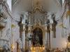 Świątynie. Dukla, kościół pw. św. Marii Magdaleny z lat 1742-65. Ołtarz główny (1772-3) wg projektu Piotra Polejowskiego